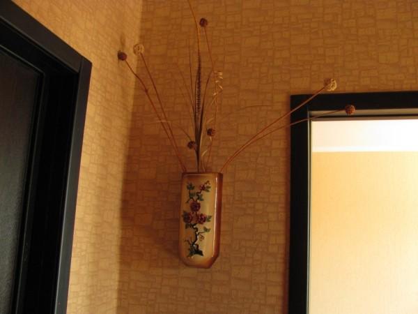 Отделка откосов стилистически похожих с наличниками и дверным полотном