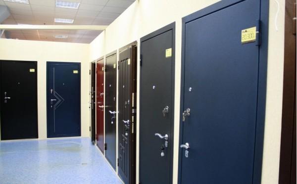 Металлические двери в ассортименте