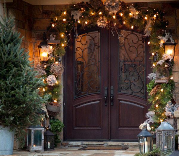 Новогоднее украшение на дверь - гирлянда