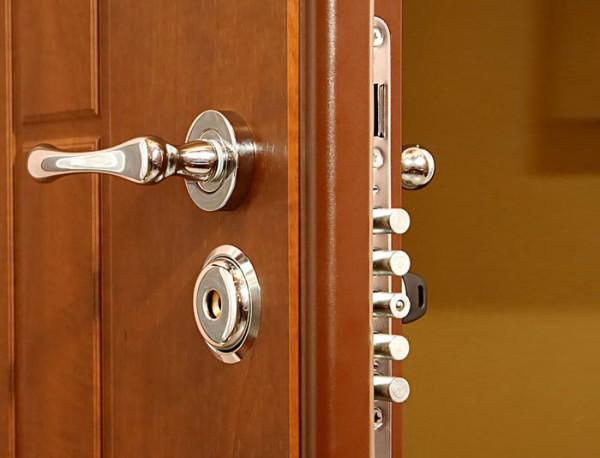 Хороший дверной замок - это безопасность