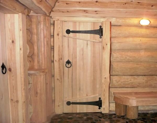 Дверь для бани обшитая вагонкой
