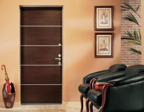 Облагораживание дверного проема входной двери: оформление и декорирование