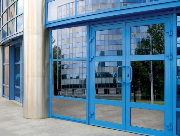 Двери из алюминиевых сплавов