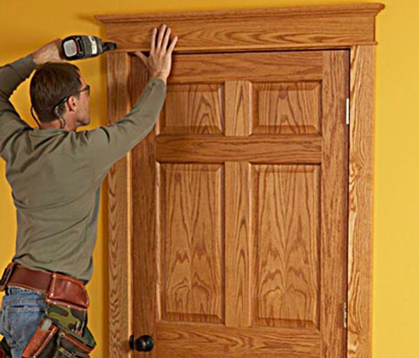 Монтаж дверных наличников