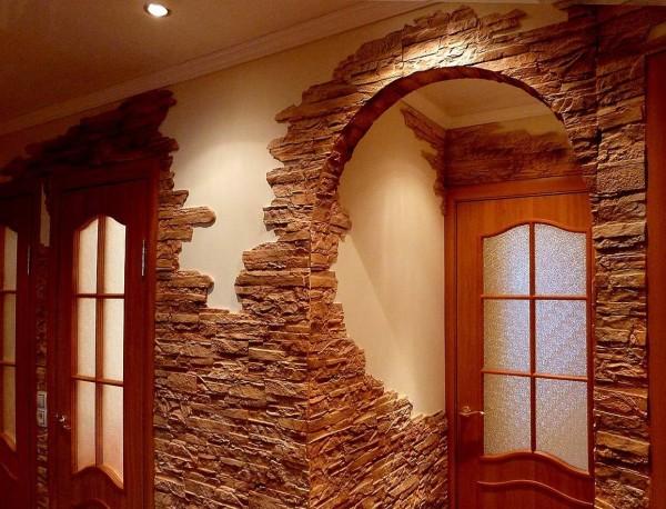 Арка и стены из декоративного камня