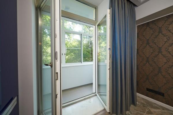 Штульповая конструкция балконной двери