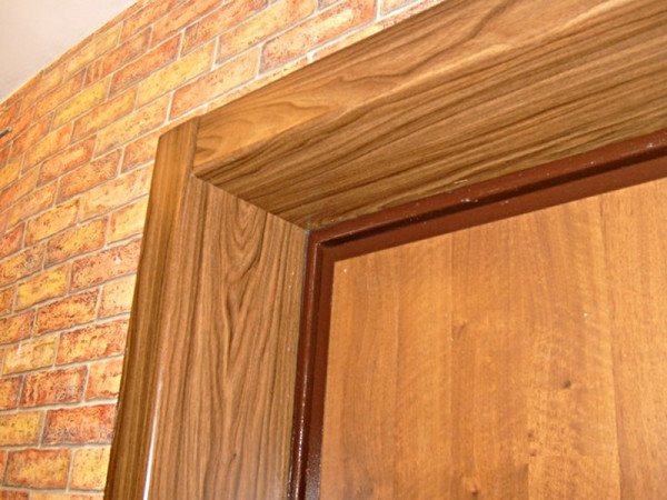 Дверные откосы из пластиковых панелей