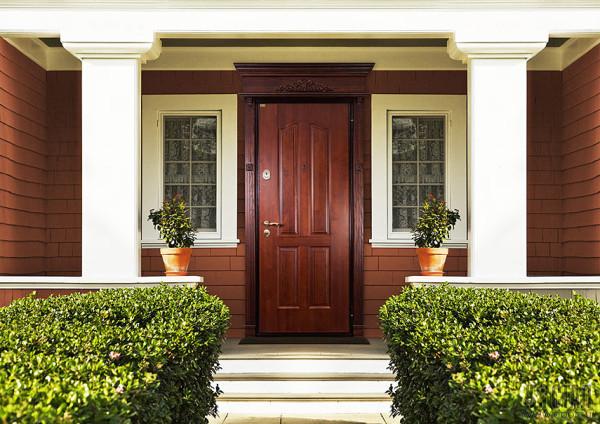 Входные дверевянные двери