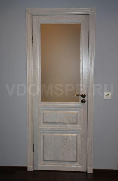 Дверь из массива ясеня